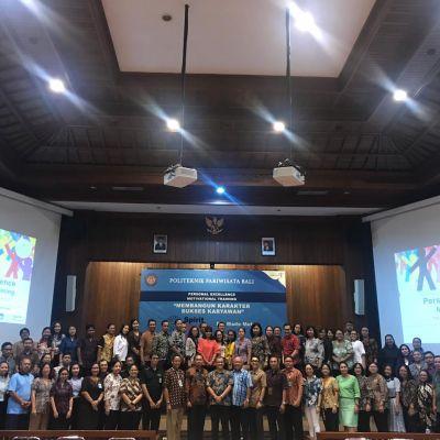Politeknik Pariwisata Bali Mengadakan Training Motivasi