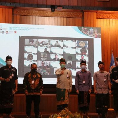"Mahasiswa Program Studi Administrasi Perhotelan Politeknik Pariwisata Bali Gelar ""International Hospitality Entrepreneurship and Innovation Conference (InHEIC) 2021"""