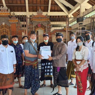 Bersama Poltekpar Bali Bersama Estepers, Membagikan Masker Secara Gratis Untuk Masyarakat Di Sekitar Puja Mandala Nusa Dua